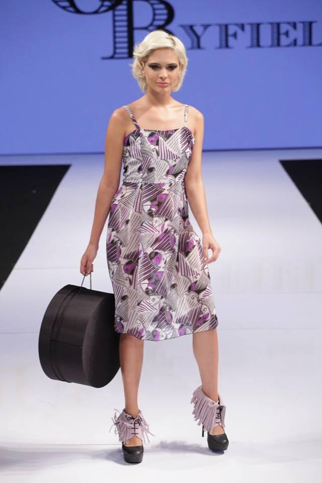 Ava Capra pink fringes molinis fashion week