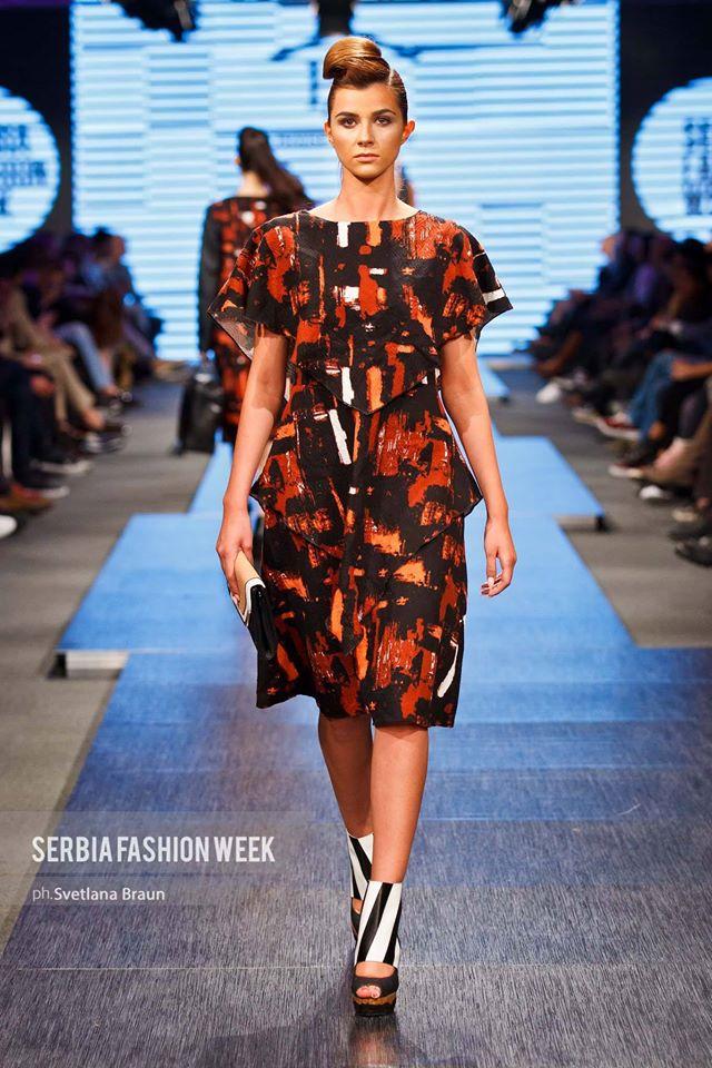 molinis bw strips at Serbia Fashion week