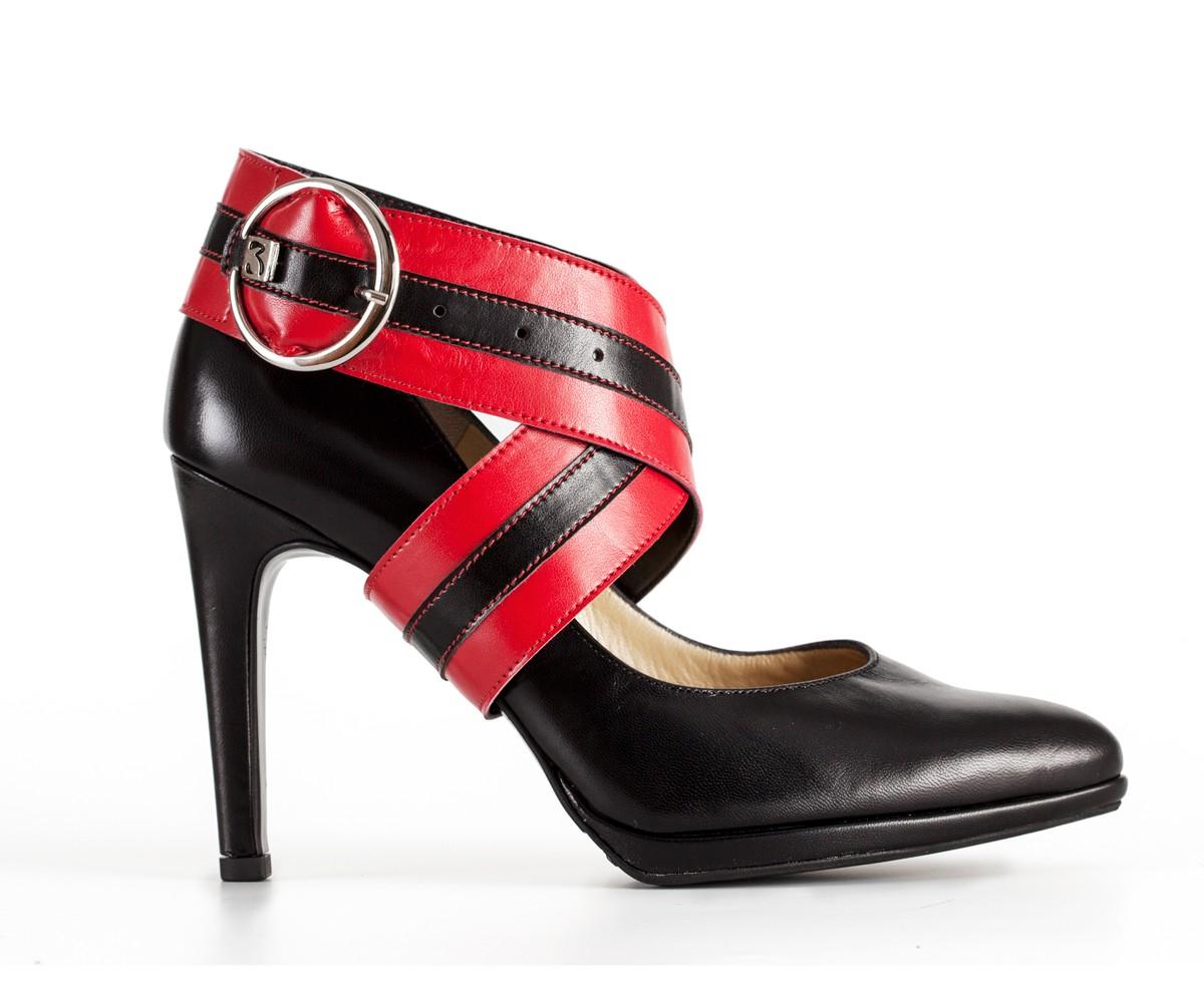 Rood met zwarte pumps - Viper
